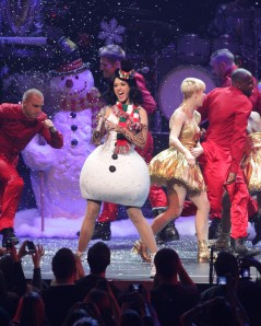 Katy+Perry+KIIS+FM+Jingle+Ball+2010+Show+vpe6Uk9-8sil