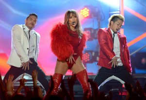 Jennifer+Lopez+2013+Billboard+Music+Awards+NLIvMBUMThhx