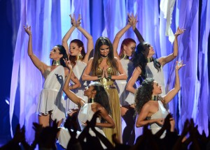 Selena+Gomez+2013+Billboard+Music+Awards+Show+L6yhWfHTiG2x